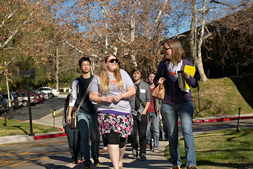 New students touring campus with peer mentors