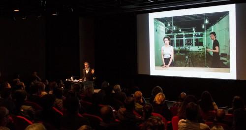 Jeff Wall addresses a full house at Grad Art Seminar.